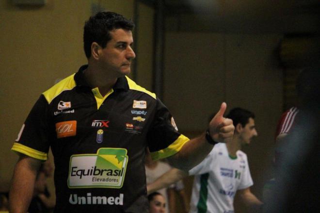 Rogério Portela volta a comandar a equipe de vôlei de Rio do Sul