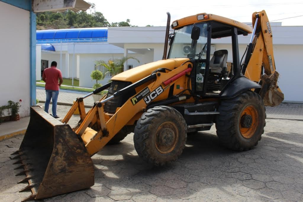 Secretaria de Agricultura de Ituporanga recebe três veículos que estavam em posse da UNIAGRI