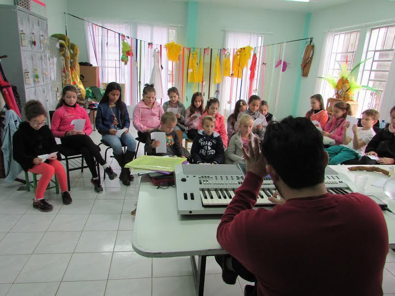 Secretaria de Educação de Alfredo Wagner inicia projeto Corais Infantis Municipais