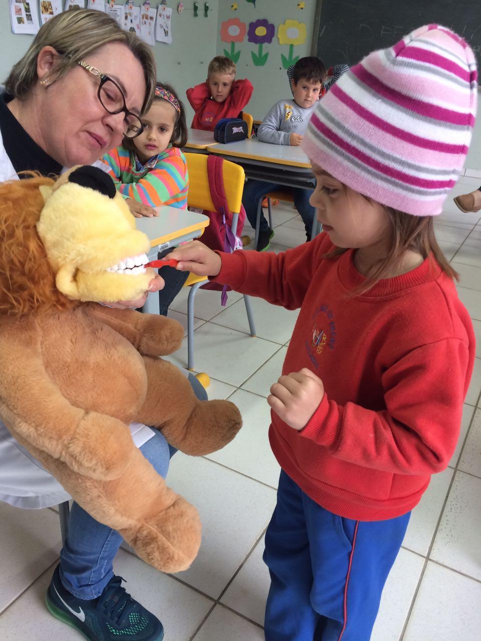 Secretaria promove programa voltado à saúde bucal, em Petrolândia