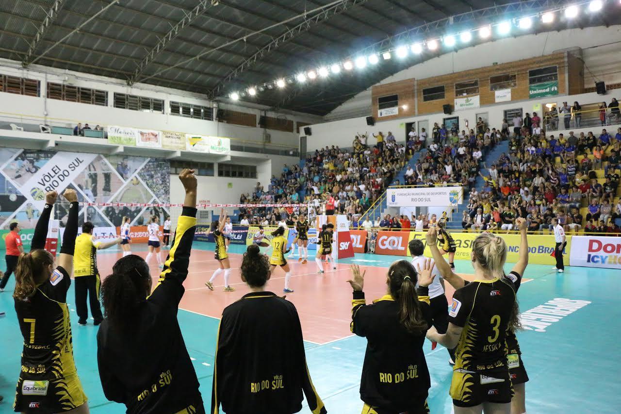 Superliga: Rio do Sul busca reação mas acaba perdendo no tie-break para o Minas