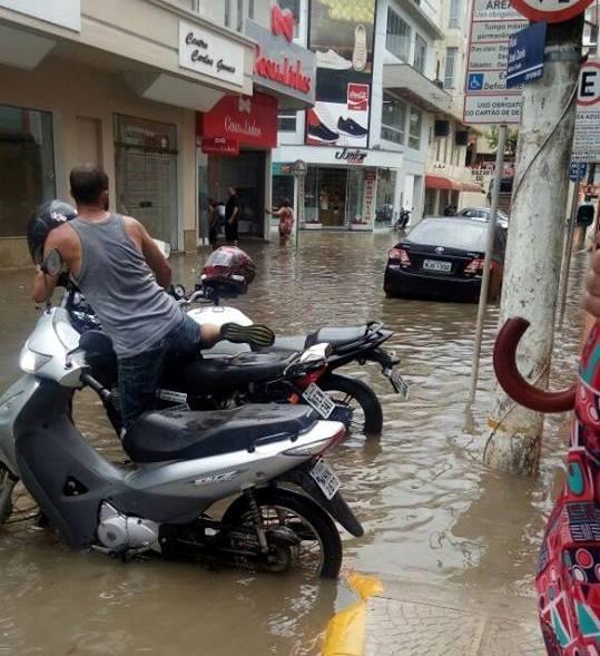 Tempestade causa transtornos em Rio do Sul