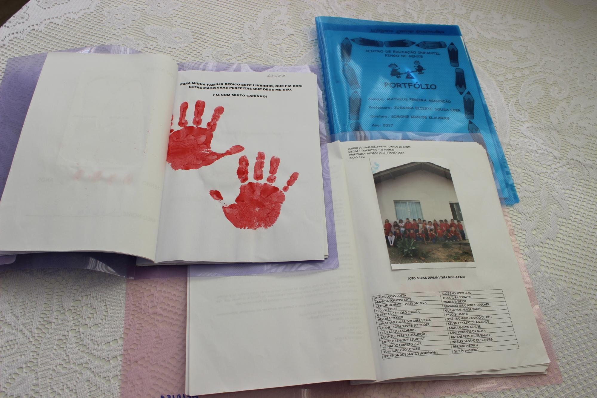 Unidades de ensino realizam entrega de portfólios, em Petrolândia