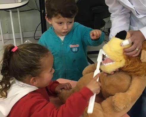 Unidades de ensino recebem programa de saúde bucal em Petrolândia