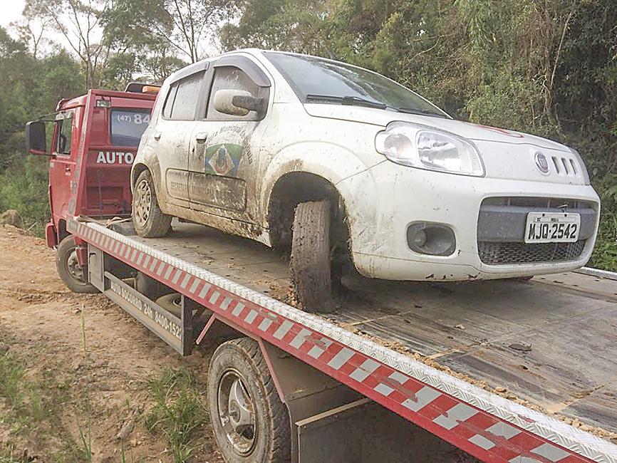 Veículo furtado da Prefeitura de Imbuia é recuperado