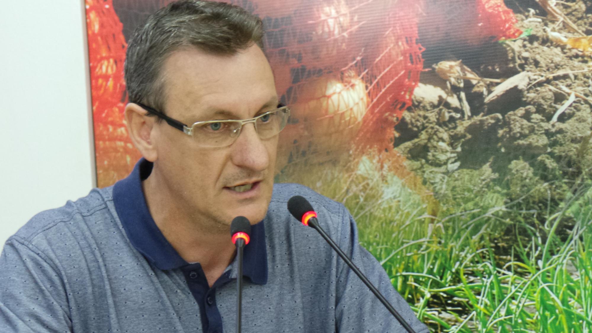 Vereador contesta números apresentados pelo executivo e denuncia prejuízo maior na Festa da Cebola