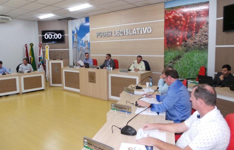 Vereador solicita a instalação de tachões e pintura de faixas na SC-110 no trecho entre Ituporanga e Vidal Ramos
