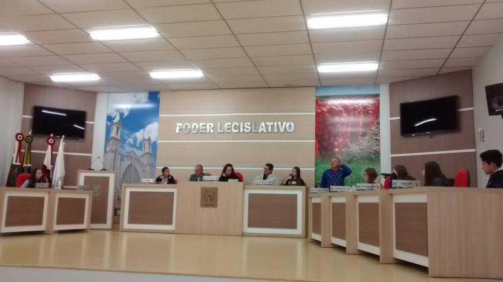 Vereadores Mirins visitam Prefeitura de Ituporanga para entender como é feita a administração de uma cidade
