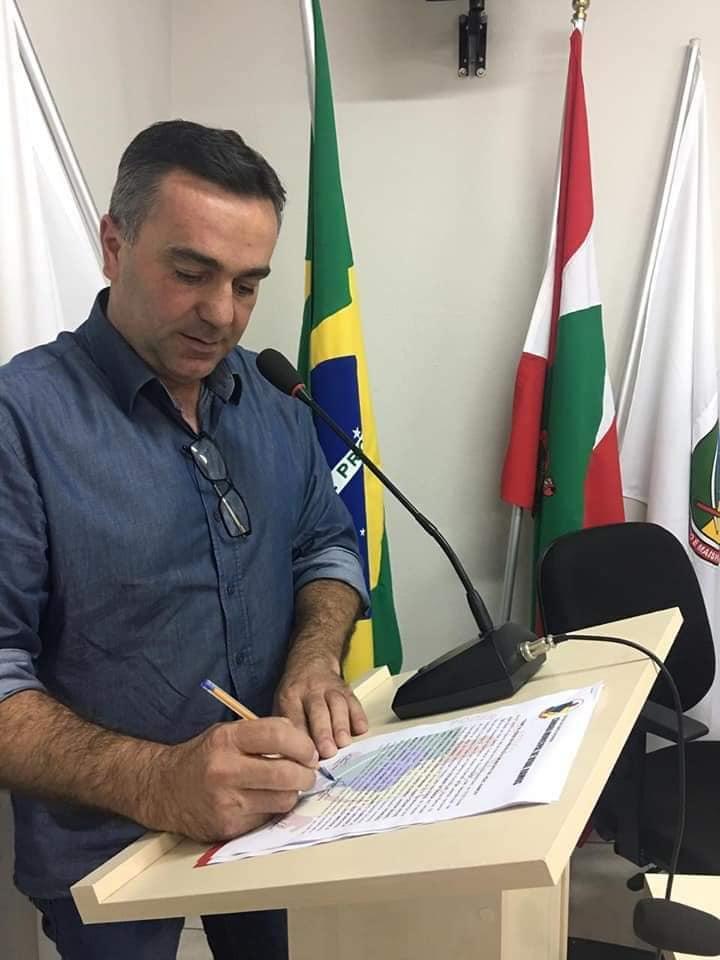 Odilmar de Souza é empossado oficialmente como prefeito de Vidal Ramos