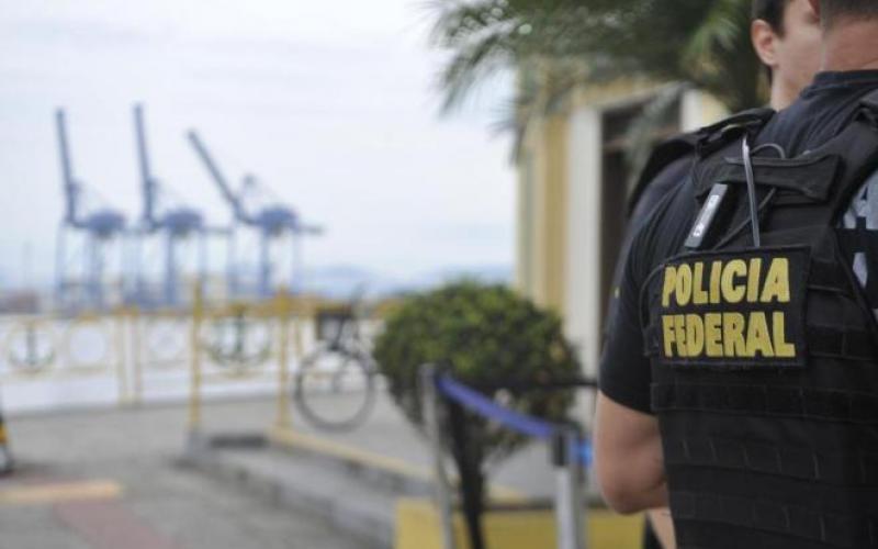 Operação mira R$ 70 milhões em bens de suspeitos de tráfico internacional nos portos de SC