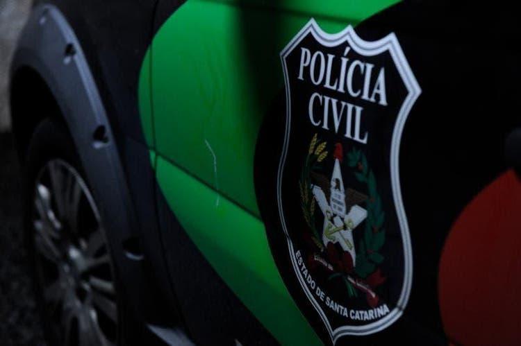 Pai suspeito de abusar sexualmente de três filhos é preso em Indaial