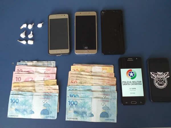 Polícia Militar prende dupla por tráfico de drogas em Ituporanga