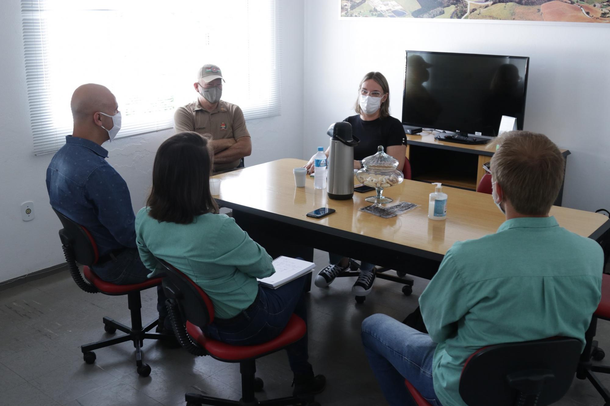 Prefeita de Petrolândia assume compromisso de revitalizar Represa Perimbó