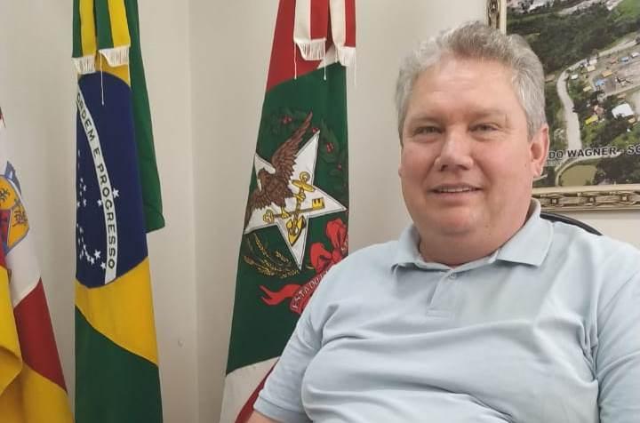 Prefeito de Alfredo Wagner retorna de Brasília com expectativa de liberação de recursos