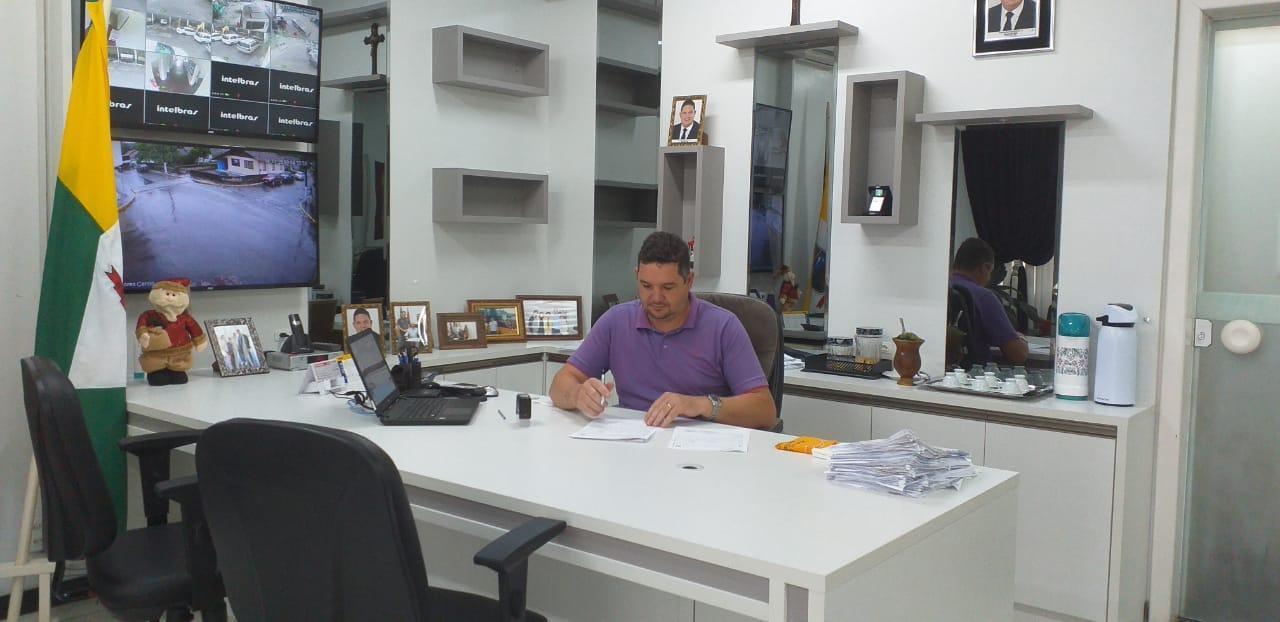 Prefeito de Aurora trabalha para o fechamento das contas do exercício de 2019