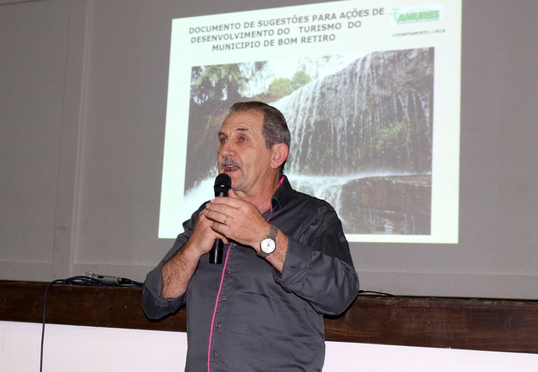 Prefeito de Bom Retiro acredita que mudança de governo vai melhorar situação dos municípios