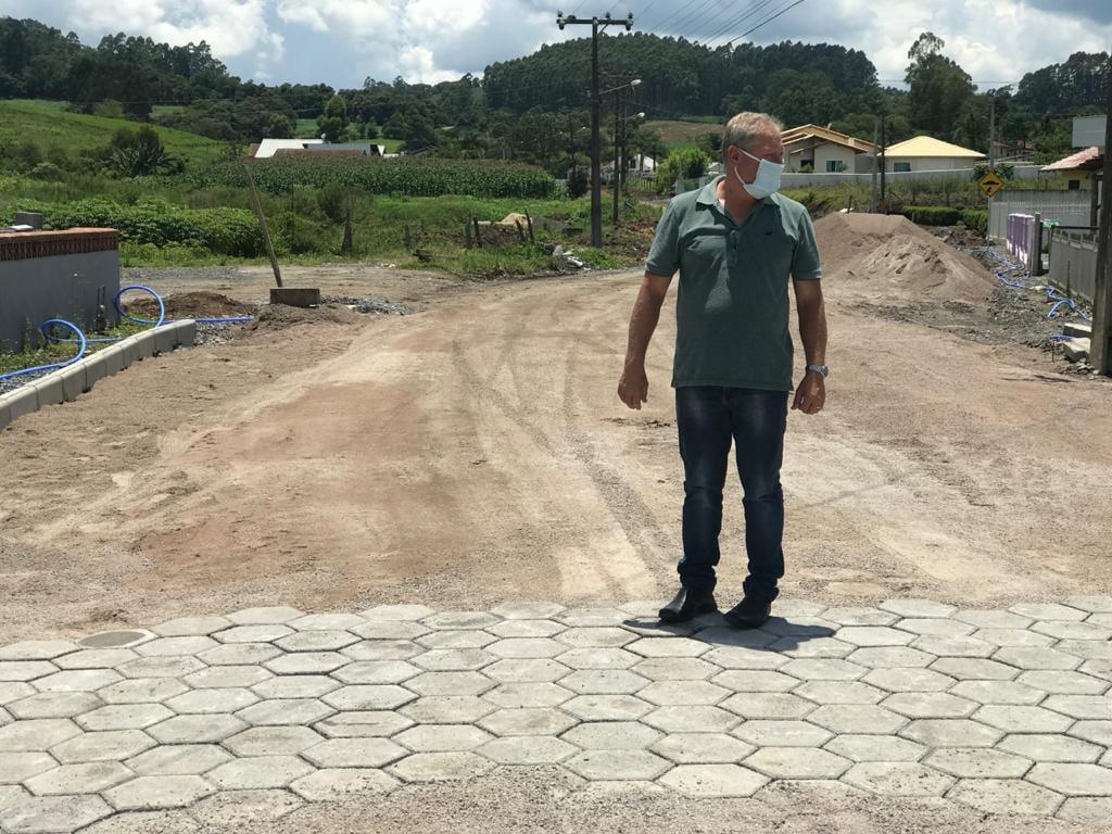 Prefeito de Imbuia garante recurso pra construção de creche
