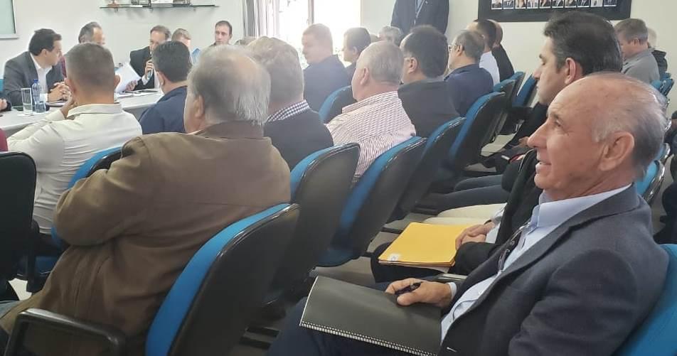 Prefeito de Ituporanga entrega demandas da Região da Cebola ao Governador do Estado