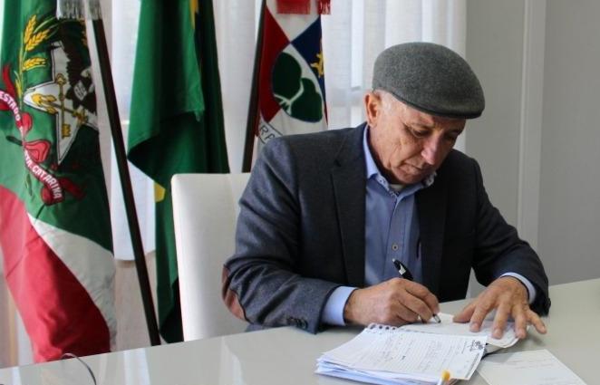 Prefeito de Ituporanga estuda formas para reduzir folha de pagamento da prefeitura