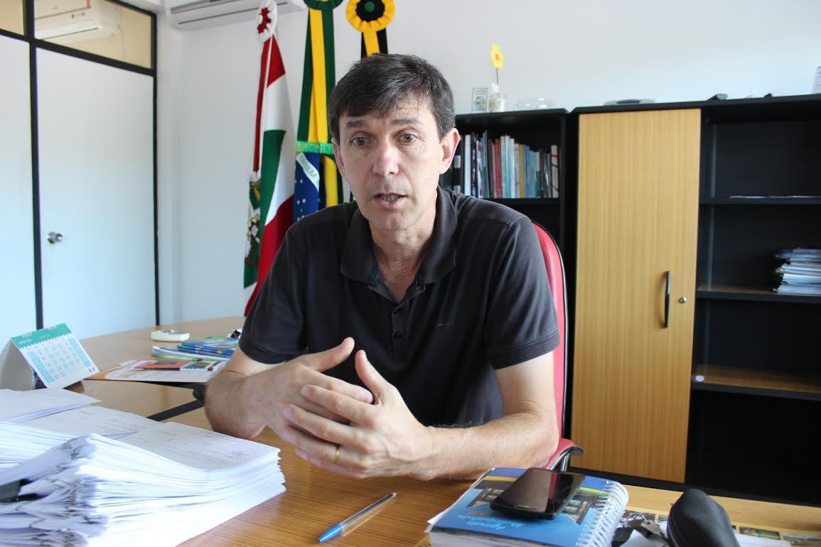 Prefeito de Petrolândia planeja viagem a Brasília para buscar recursos para o município