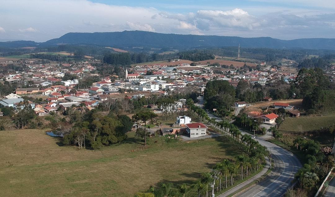Prefeito em exercício de Atalanta volta de Brasília com garantia de recursos para o município