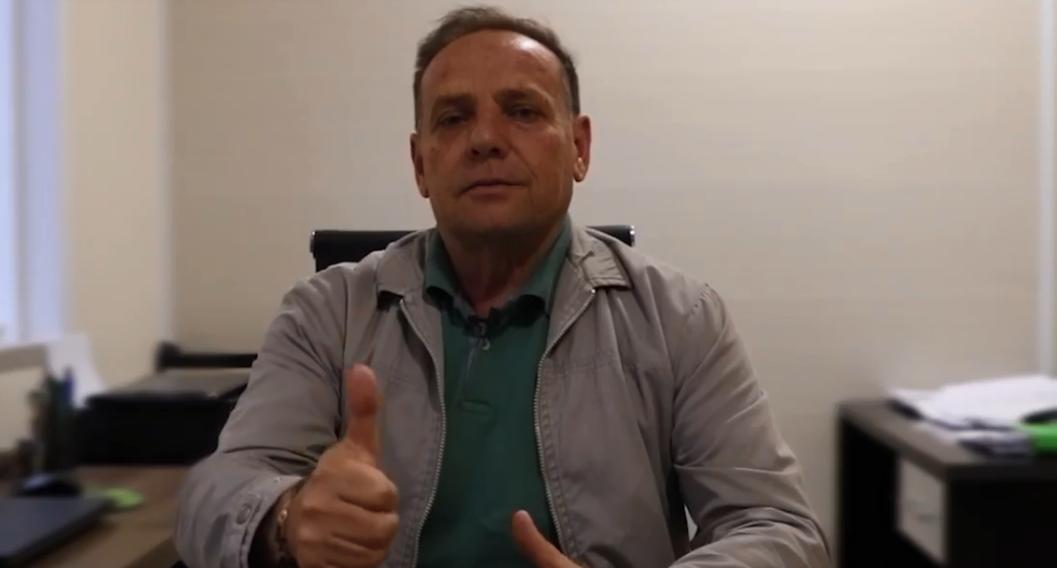 Prefeito reeleito de Leoberto Leal, Vitor Norberto Alves (MDB), diz que grande reforma administrativa será feita no próximo mandato