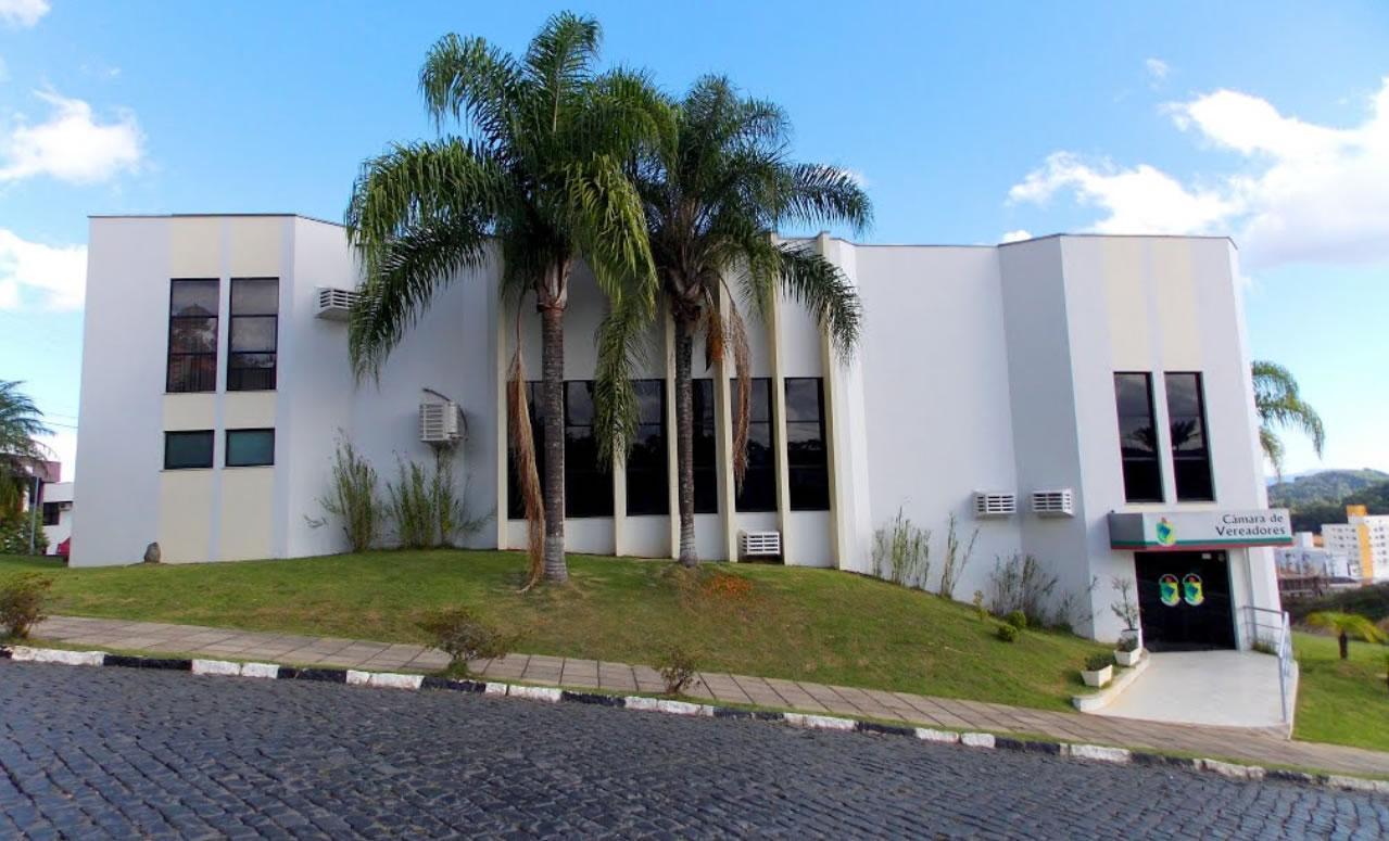 Presidente da Câmara de Vereadores de Ituporanga solicita instalação de hidrante na Praça da Igreja Matriz Santo Estevão