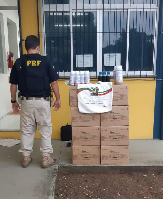 PRF apreende agrotóxicos sem nota fiscal na BR 470 em Rio do Sul