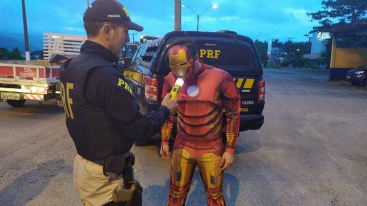 PRF flagra 347 motoristas bêbados neste fim de semana em Santa Catarina