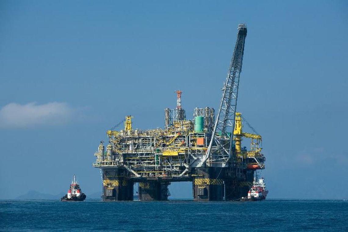 Produção de petróleo ultrapassa marca de 3 milhões de barris por dia