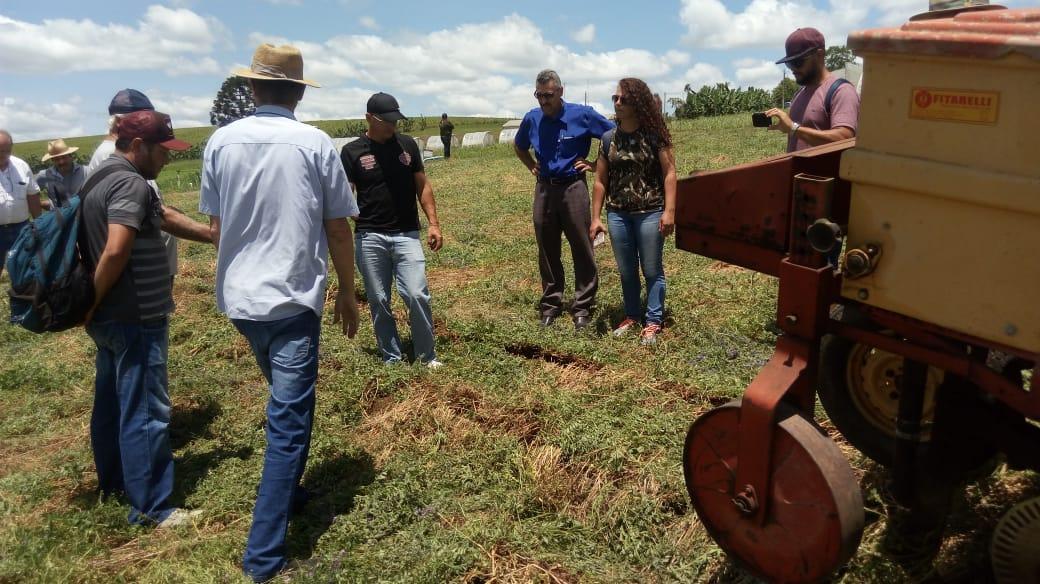 Produtores rurais de Lages realizam visita técnica em Ituporanga
