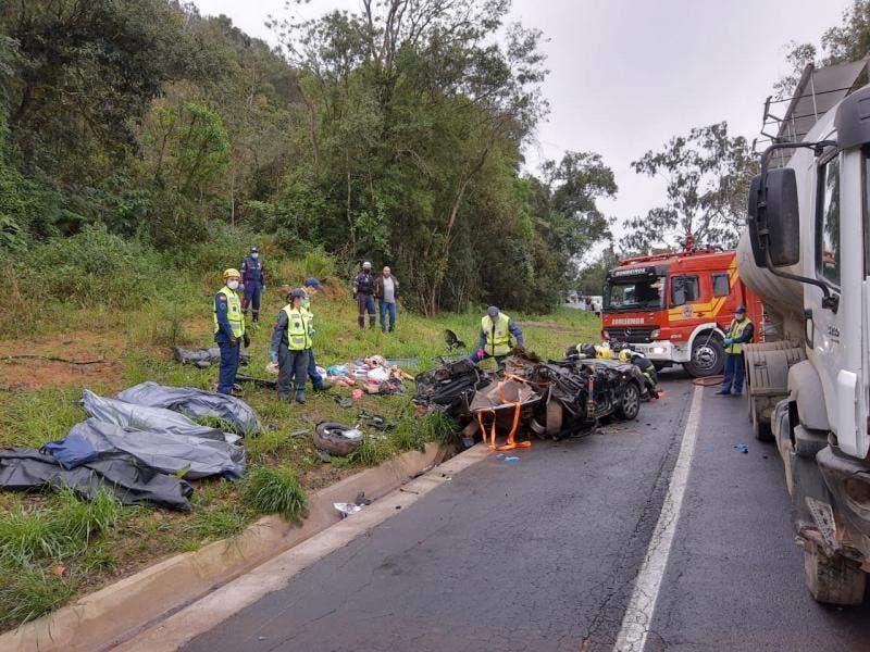 Quatro pessoas morrem em acidente na BR-470, no feriado da Independência, em Santa Catarina