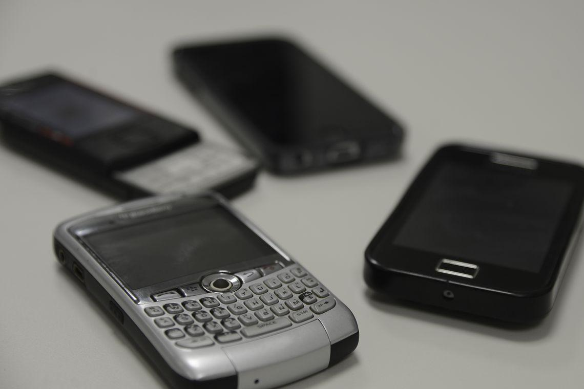 Recadastro para clientes de celular pré-pago começa nesta quarta