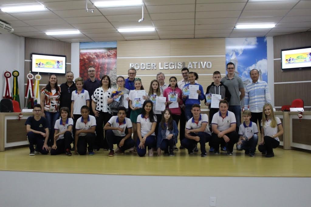 Recicla CDL premia alunos da Rede Municipal de Ensino em Ituporanga