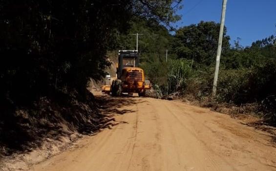 Rodovias estaduais no Alto Vale seguem recebendo melhorias por meio do Projeto Recuperar