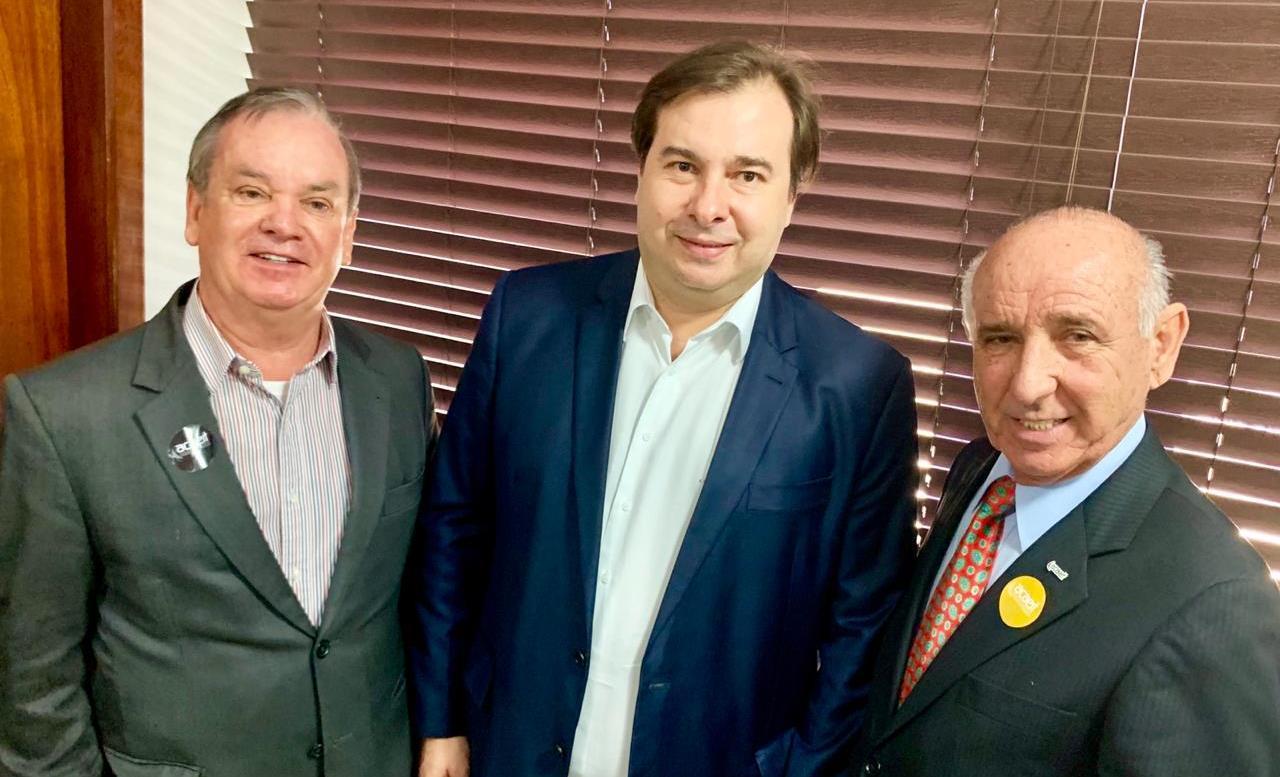 Rodrigo Maia fala sobre Reforma Tributária no Momento Brasil