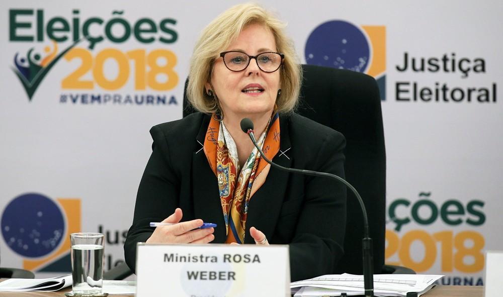 Rosa Weber diz que TSE está aprendendo a lidar com 'fake news'