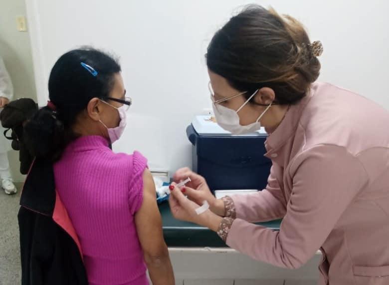 Covid-19: Saúde de Ituporanga vacina neste sábado (15) pessoas com 60 anos ou mais, com comorbidades e deficiências