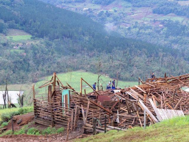 Secretaria da Agricultura cria novos programas de apoio para produtores rurais atingidos por fenômenos climáticos extremos