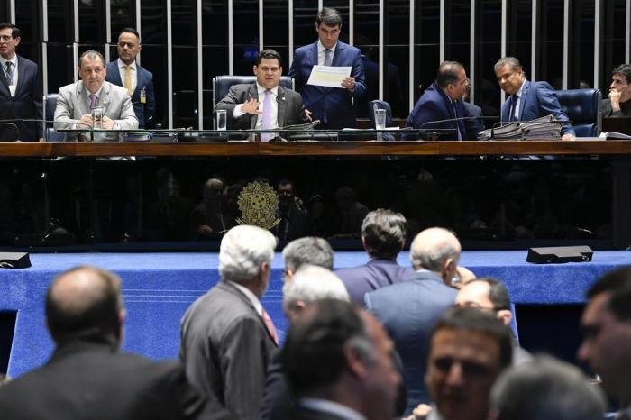 Senado derruba decreto das armas de Bolsonaro