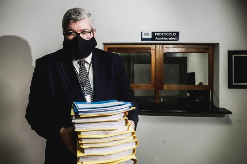 TJSC recebe processos de impeachment contra governador Moisés e vice Daniela Reinehr