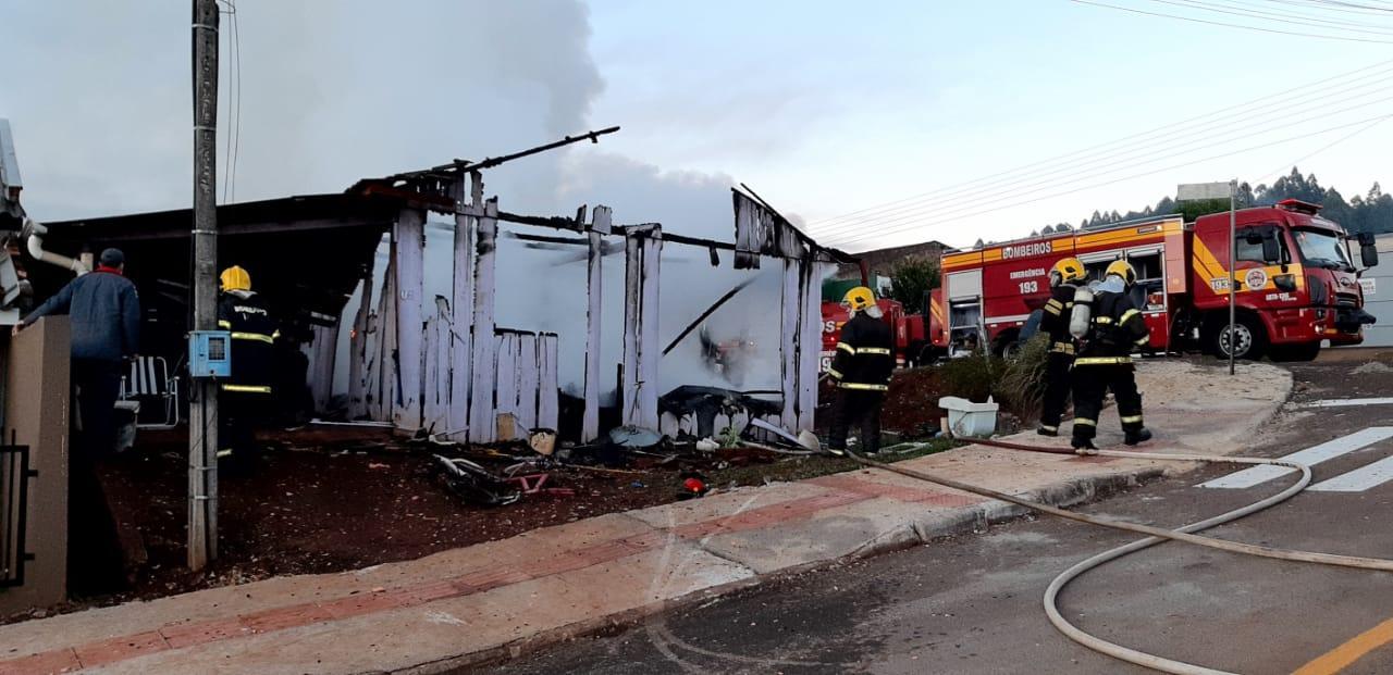 Tragédia: Família morre carbonizada em incêndio na cidade de São Domingos