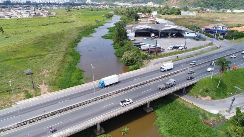 Trecho da BR-101 em Itajaí terá desvio no trânsito a partir de domingo