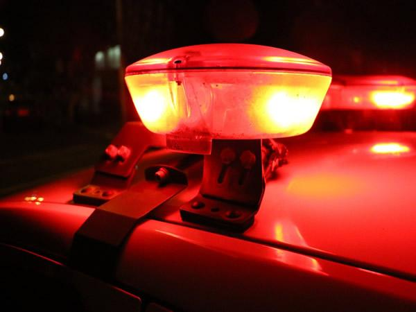 Três pessoas são detidas por arrombamento seguido de furto em Aurora