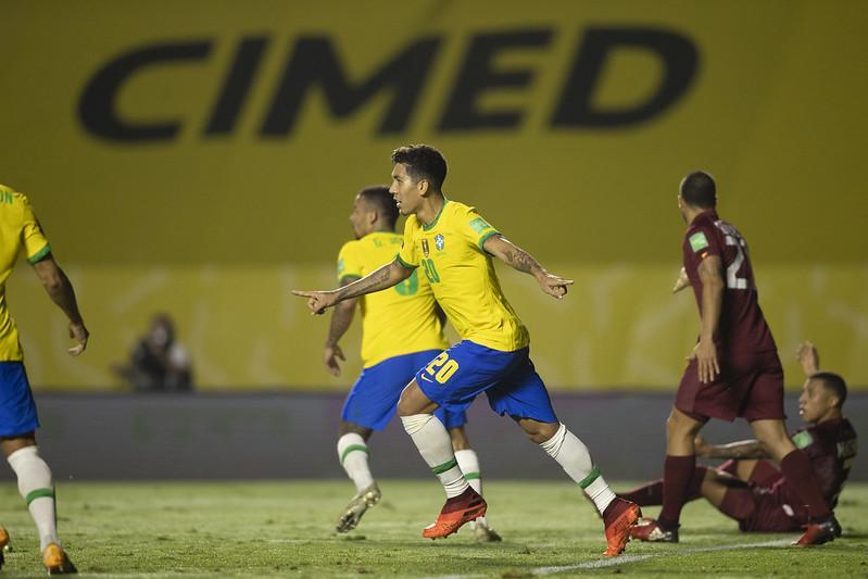 Brasil sofre, mas bate a Venezuela e segue 100% nas Eliminatórias