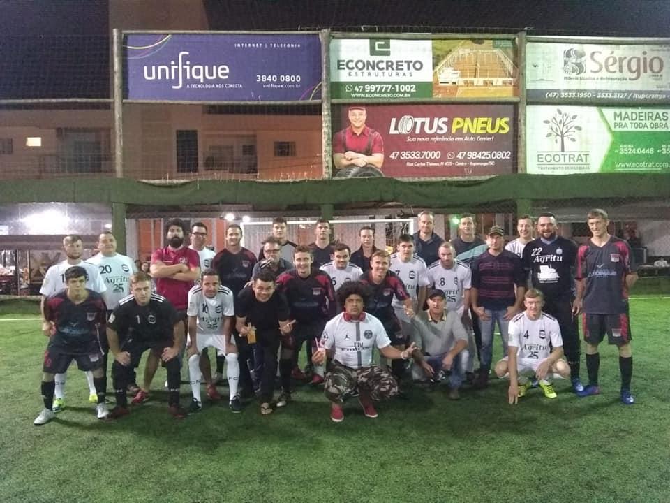 Integração entre as equipes da final e os humoristas Emerson Ceará, Anderson Silva e Jericó.