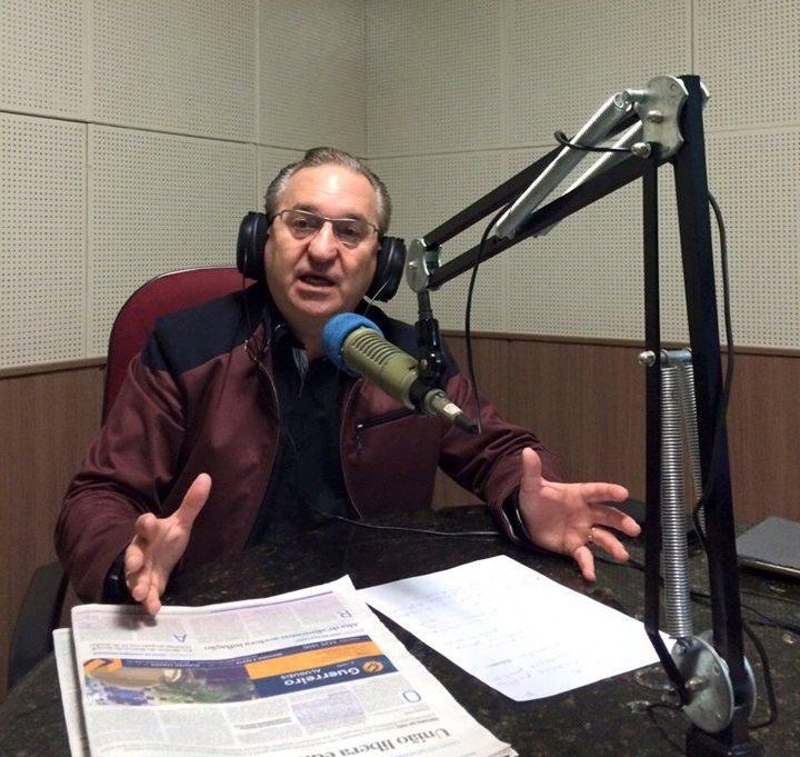 Advogado Dr. Sérgio Coelho no estúdio da Rádio Sintonia