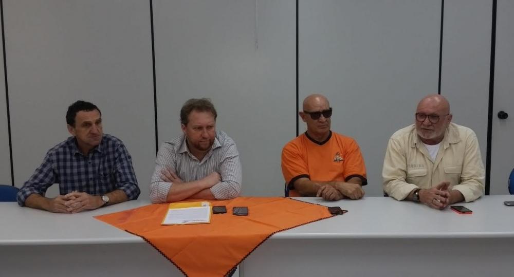 Coletiva de imprensa com a presença dos membros da Associação Brejeiros da Madrugada-Foto:Divulgação