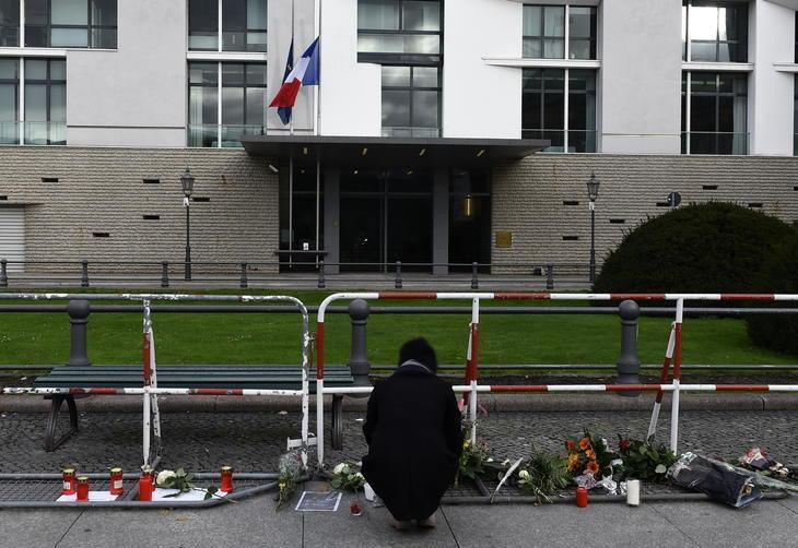 Embaixada da França em Berlim - 14/11/2015 - Foto: TOBIAS SCHWARZ/AFP
