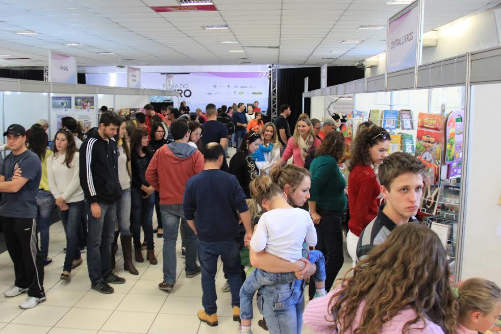 Feira do Livro (Foto: Tiago Amado)